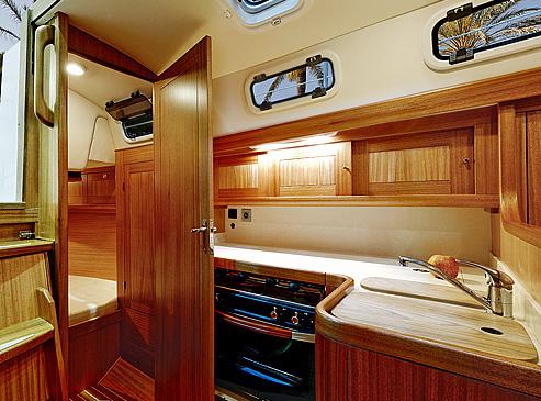 Sailing Yacht Interiors Interior of 34' Sailing Yacht